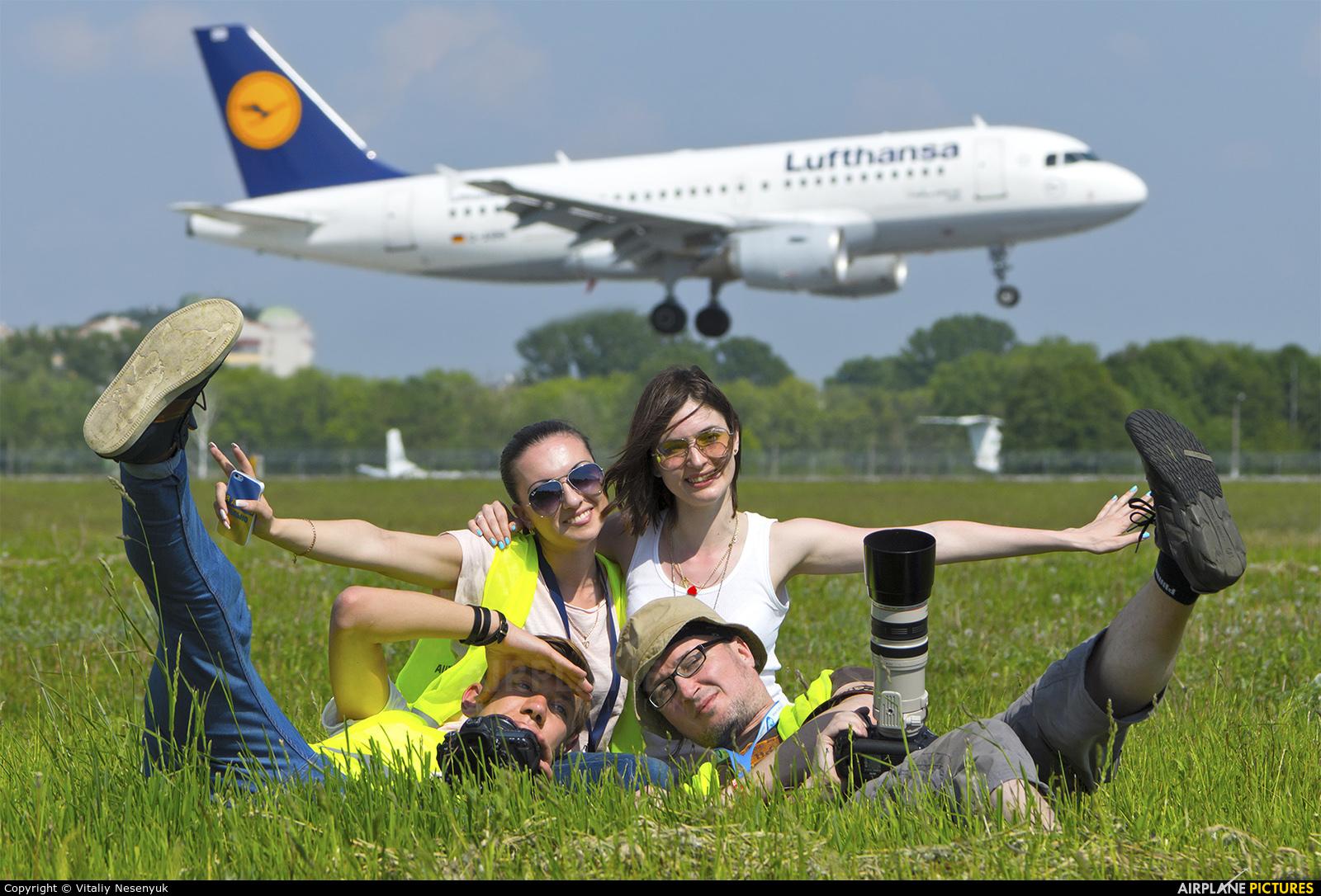 Lufthansa - aircraft at Kiev - Borispol