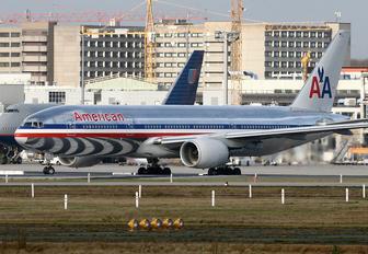 N750AN - American Airlines Boeing 777-200ER