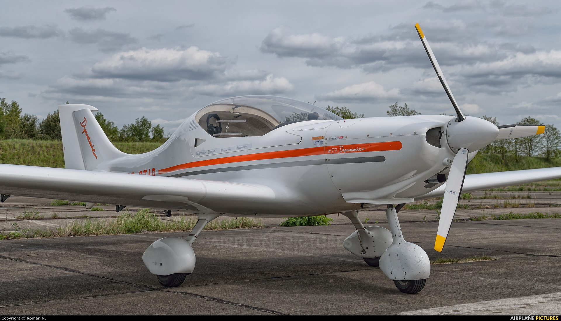 Private SP-STAR aircraft at Piła