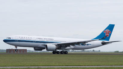 B-6526 - China Southern Airlines Airbus A330-200
