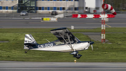 LN-SDB - Private American Champion 8KCAB Super Decathlon