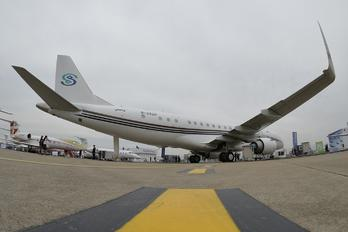B-3220 -  Embraer ERJ-190-100 Lineage 1000