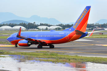 N450WN - Southwest Airlines Boeing 737-700