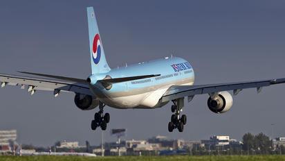 HL8211 - Korean Air Airbus A330-200