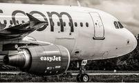 G-EZWA - easyJet Airbus A320 aircraft