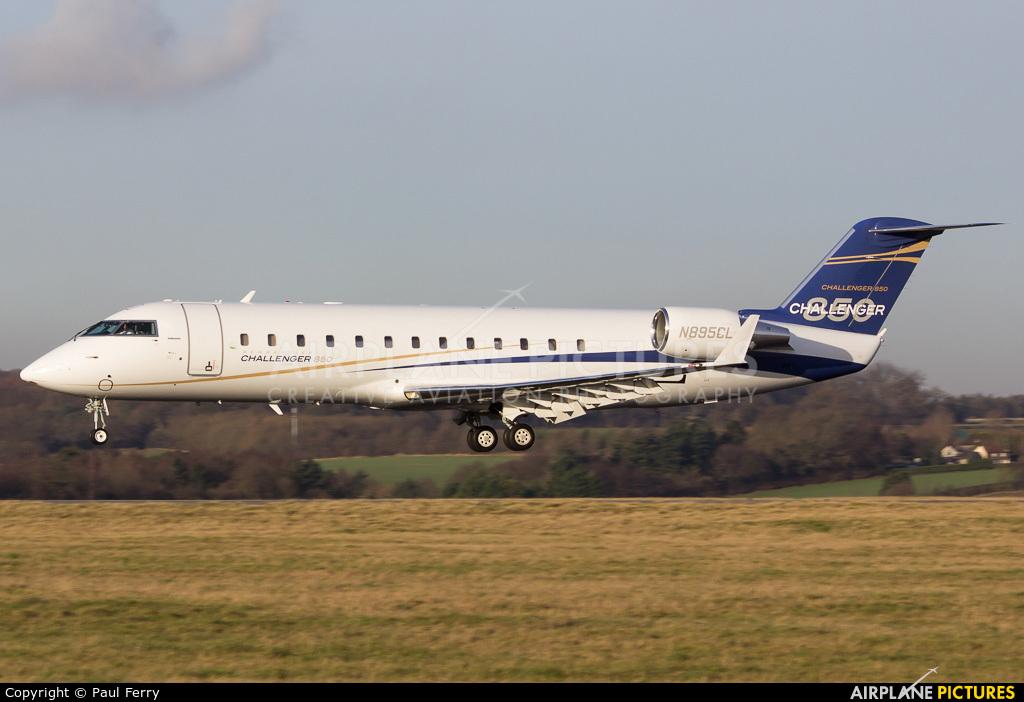 Averitt Air N895CL aircraft at London - Luton