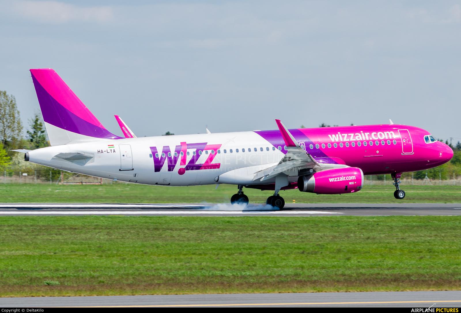 Wizz Air HA-LYA aircraft at Poznań - Ławica