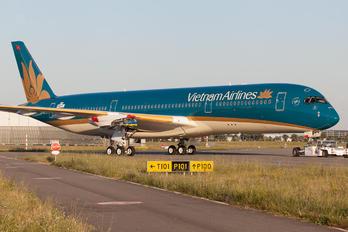 F-WZFK - Vietnam Airlines Airbus A350-900