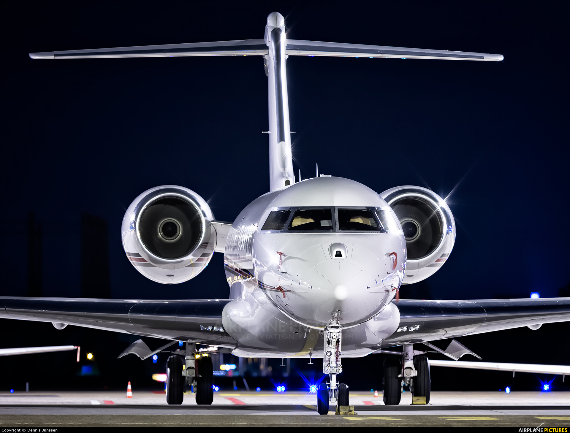 NetJets Europe (Portugal) CS-GLD aircraft at Amsterdam - Schiphol