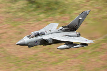 ZD844 - Royal Air Force Panavia Tornado GR.4 / 4A