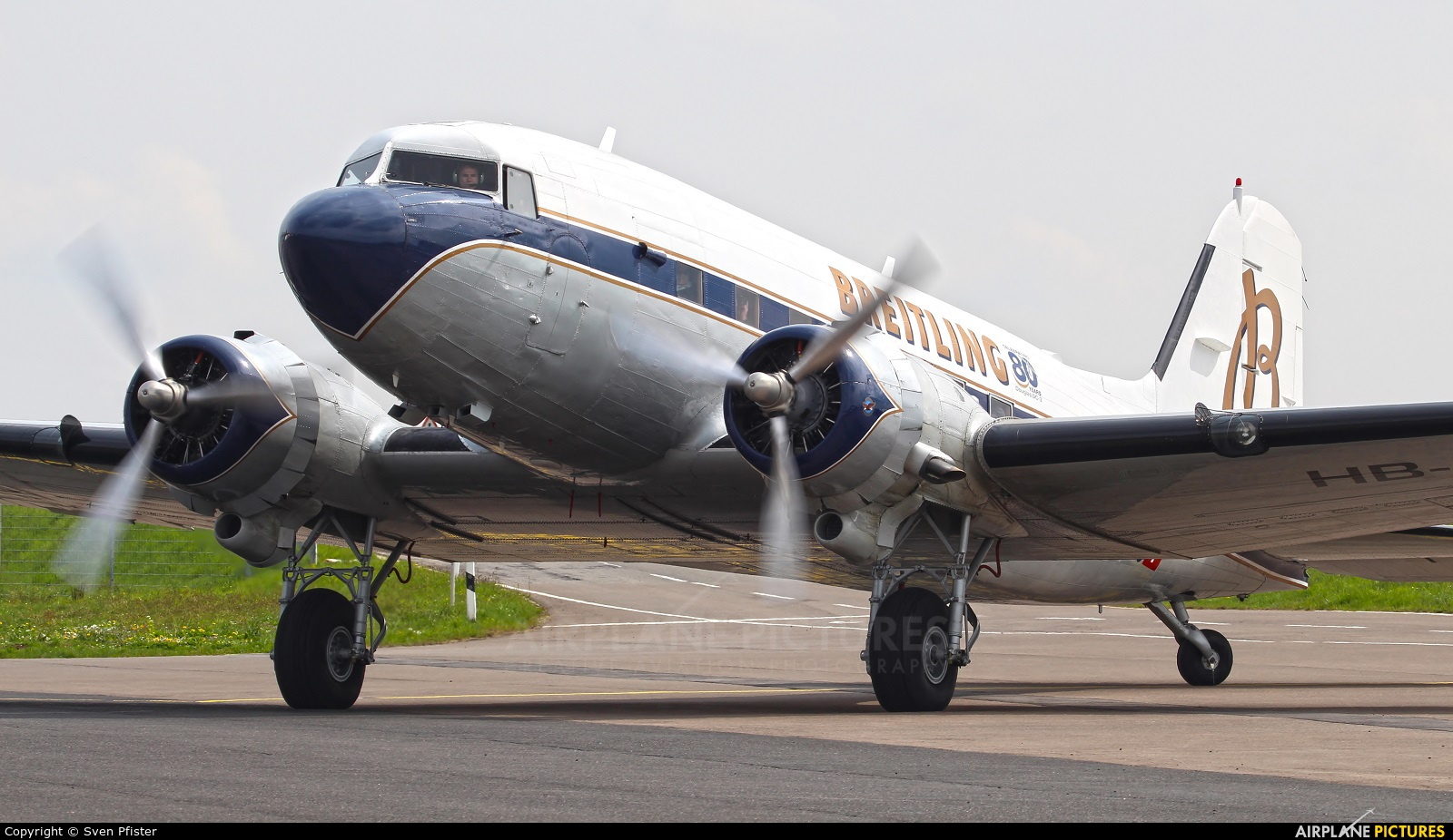 Super Constellation Flyers HB-IRJ aircraft at Luxembourg - Findel