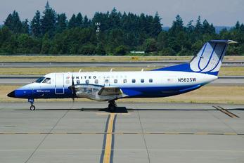 N562SW - United Express - SkyWest Embraer EMB-120 Brasilia