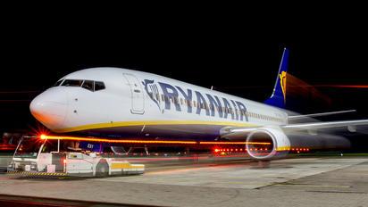 EI-ESY - Ryanair Boeing 737-800