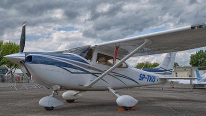 SP-TKO - Private Cessna 182T Skylane