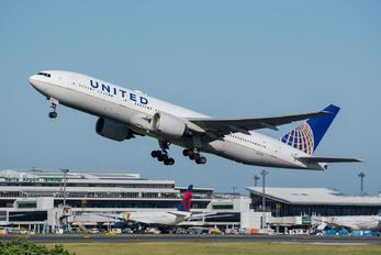 N217UA - United Airlines Boeing 777-200ER