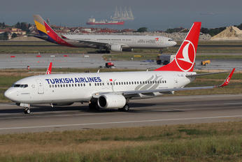 TC-JGS - Turkish Airlines Boeing 737-800