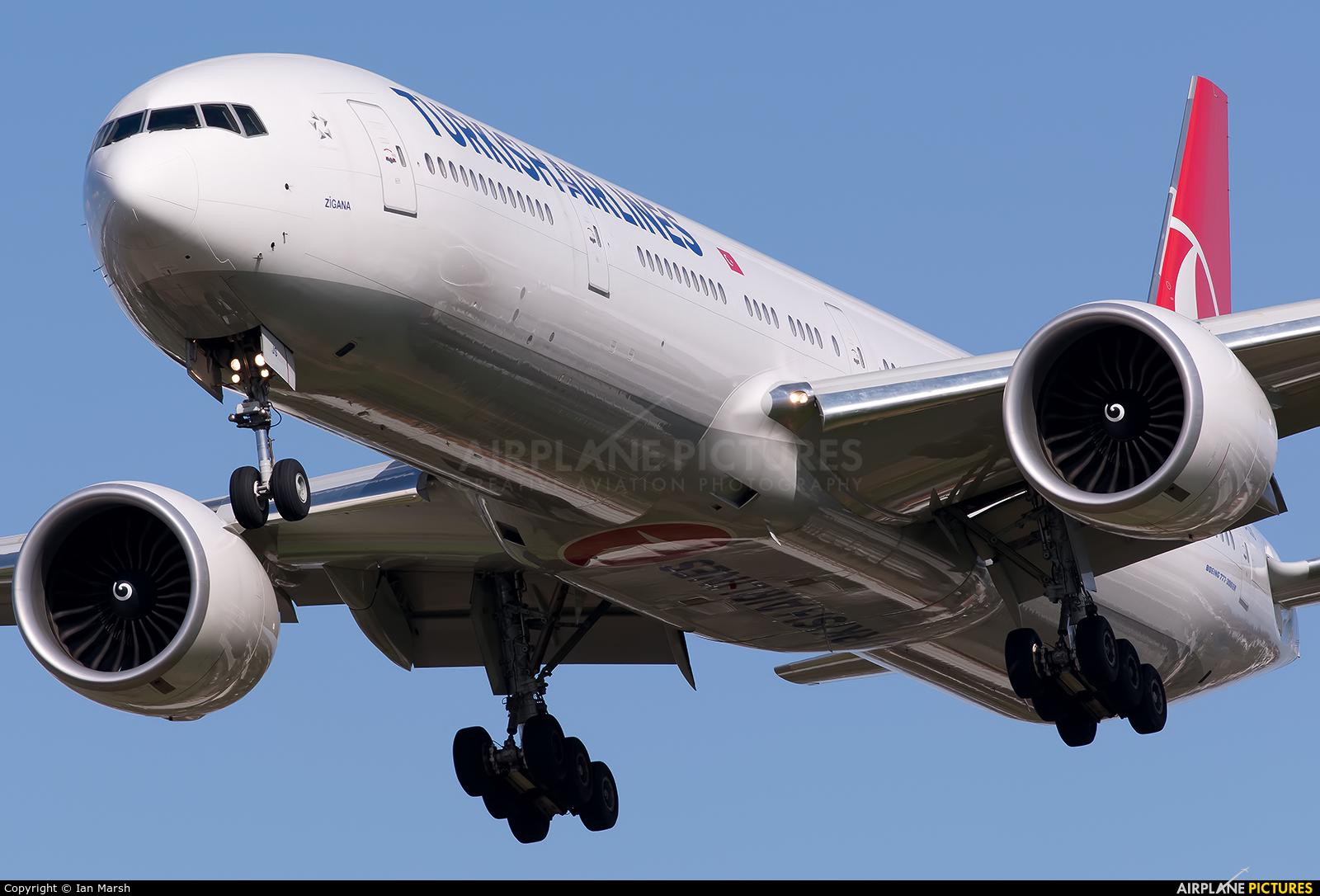 Turkish Airlines TC-JJS aircraft at London - Heathrow