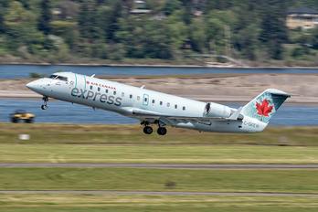 C-GKEW - Air Canada Express Canadair CL-600 CRJ-200