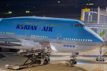 HL7490 - Korean Air Boeing 747-400