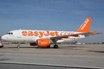 G-EZDD - easyJet Airbus A319