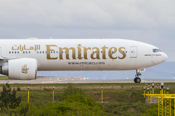 A6 EGK - Emirates Airlines Boeing 777-300