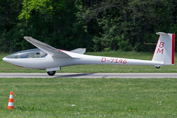 D-7196 - Private Glaser-Dirks DG-300 Elan