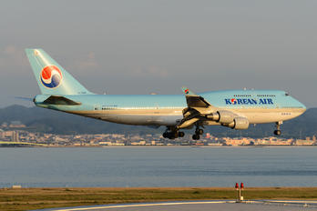HL7494 - Korean Air Boeing 747-400