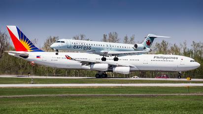 C-FLJZ - Air Canada Express Canadair CL-600 CRJ-705