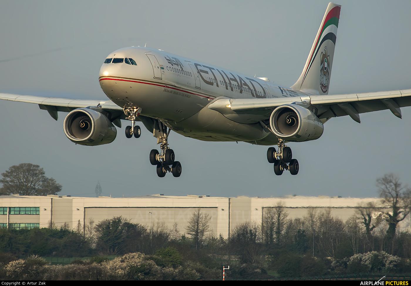 Etihad Airways A6-EYT aircraft at Dublin