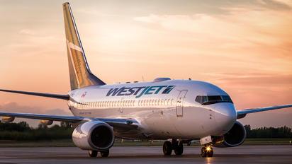 C-FWCN - WestJet Airlines Boeing 737-700