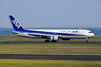 JA8578 - ANA - All Nippon Airways Boeing 767-300