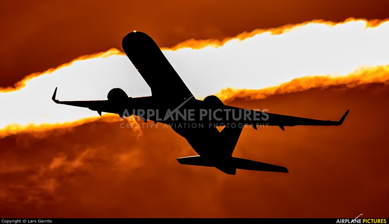 Delta Air Lines N536US aircraft at Miami Intl