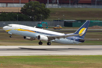 VT-JGP - Jet Airways Boeing 737-800
