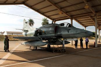 1013 - Brazil - Navy McDonnell Douglas A-4 Skyhawk