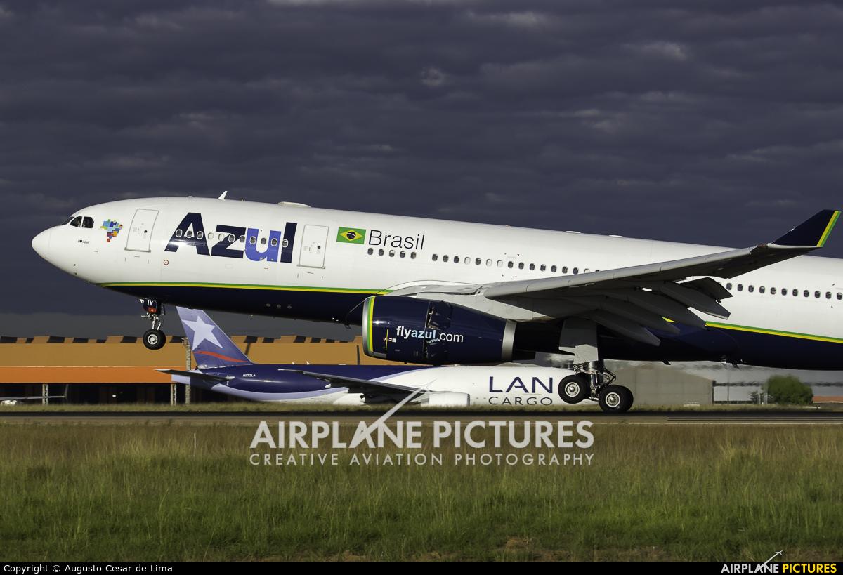 Azul Linhas Aéreas PR-AIX aircraft at Campinas - Viracopos Intl
