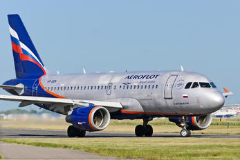 VP-BDN - Aeroflot Airbus A319