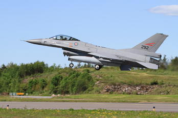 292 - Norway - Royal Norwegian Air Force General Dynamics F-16AM Fighting Falcon