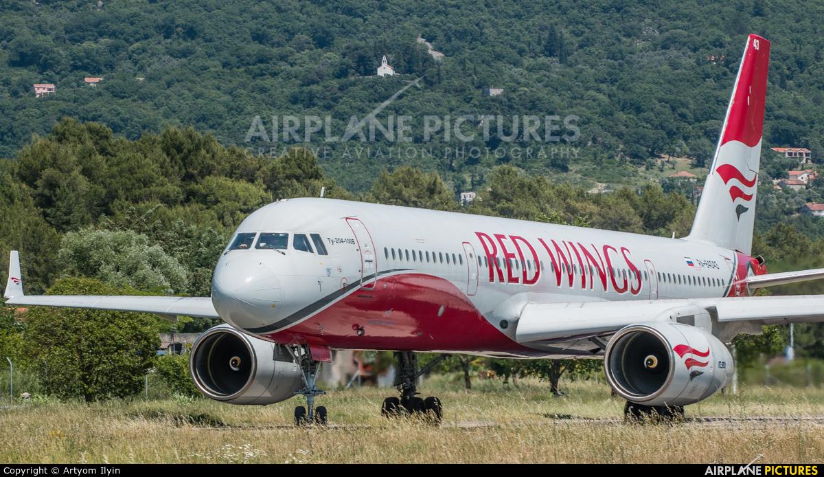 Red Wings RA-64043 aircraft at Tivat
