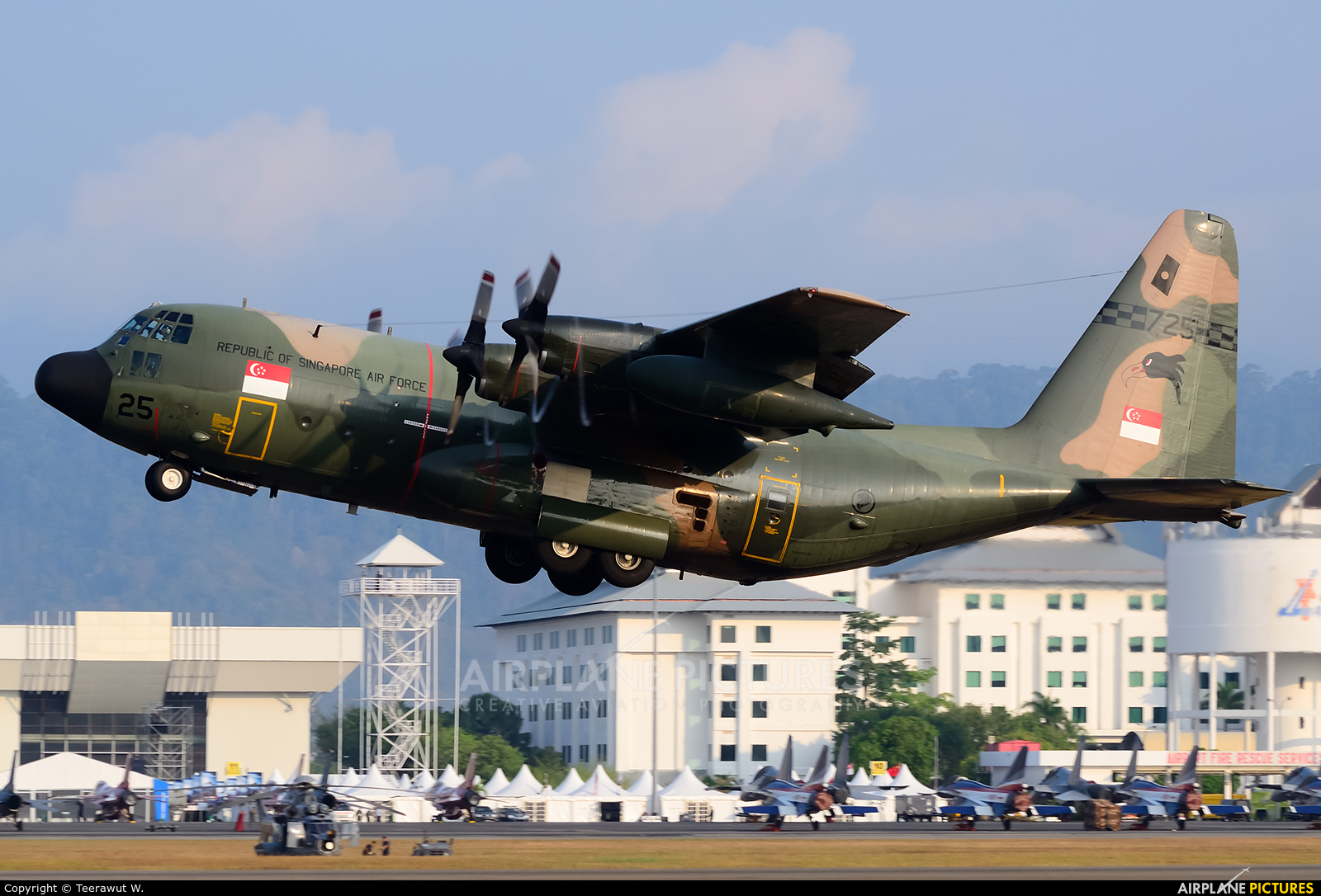 Singapore - Air Force 725 aircraft at Langkawi