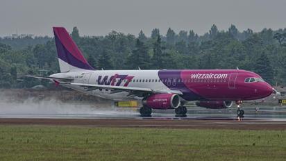 HA-LWP - Wizz Air Airbus A320