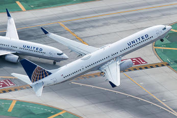 N37466 - United Airlines Boeing 737-900