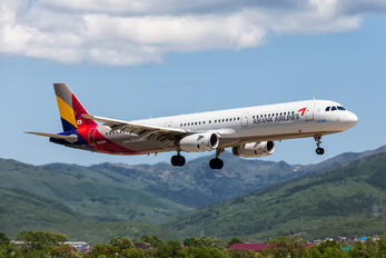 HL8004 - Asiana Airlines Airbus A321