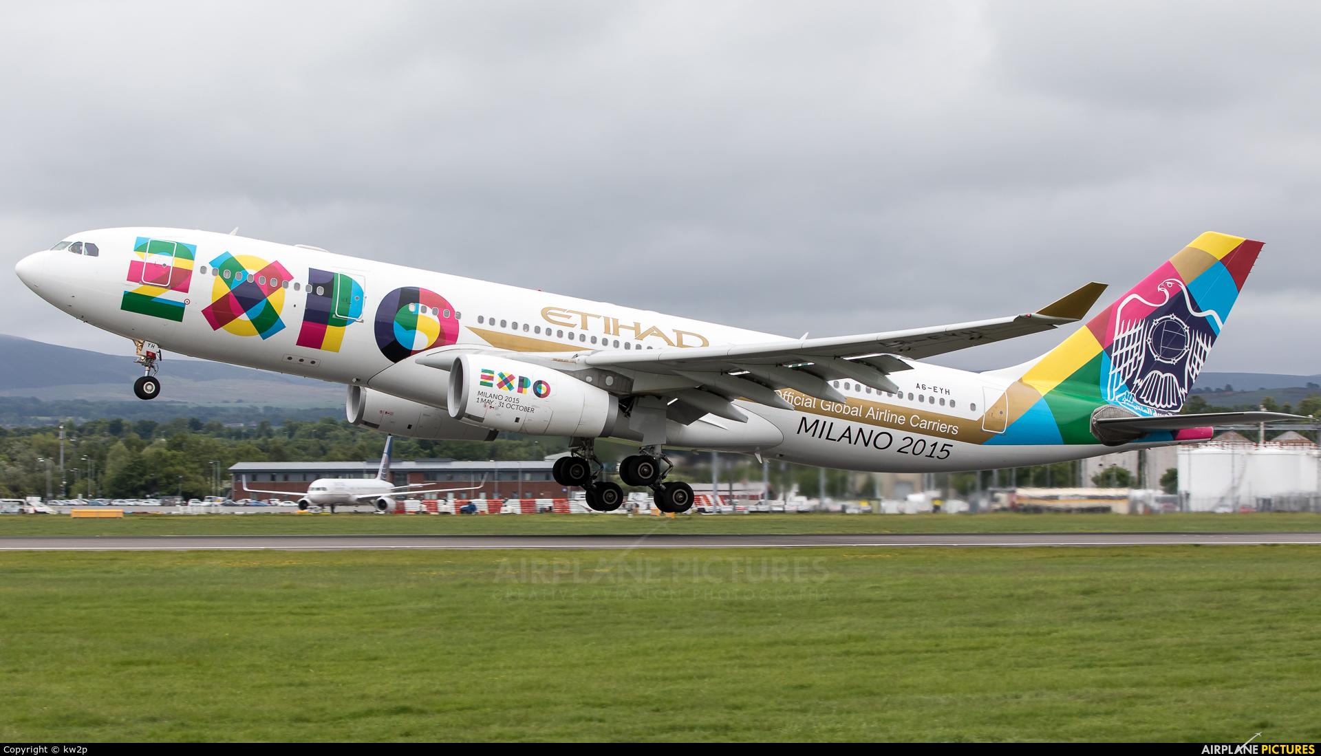 Etihad Airways A6-EYH aircraft at Edinburgh