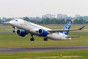 C-FFDX - Bombardier Bombardier CS300