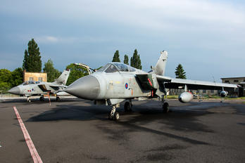 ZA-405 - Royal Air Force Panavia Tornado GR.4 / 4A