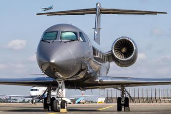 N352BH - Private Gulfstream Aerospace G-IV,  G-IV-SP, G-IV-X, G300, G350, G400, G450