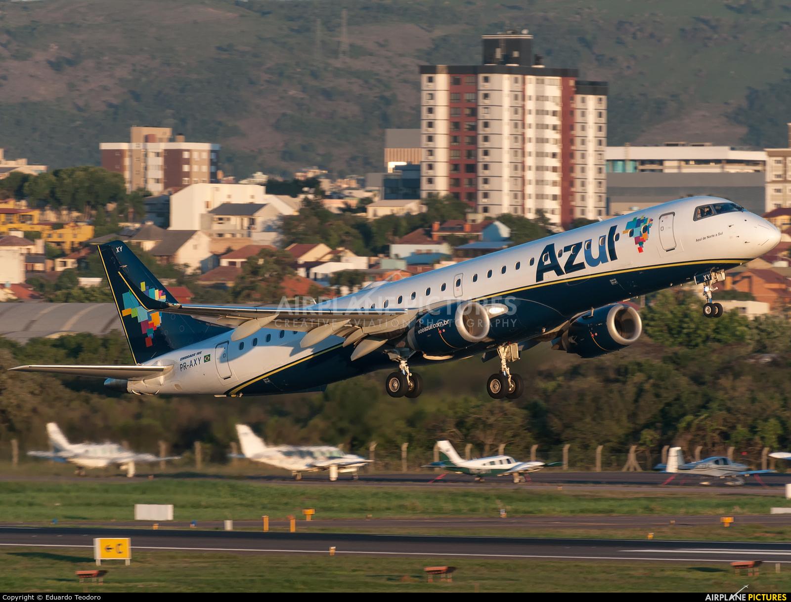 Azul Linhas Aéreas PR-AXY aircraft at Porto Alegre - Salgado Filho