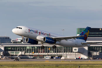 SP-HAI - Small Planet Airlines Airbus A320