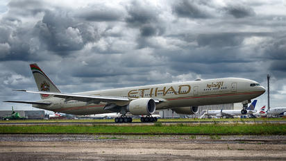 A6-ETN - Etihad Airways Boeing 777-300ER