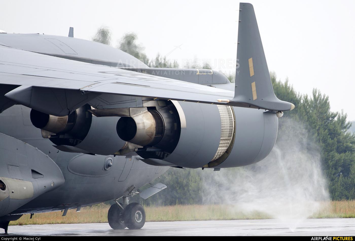 USA - Air Force 00-0183 aircraft at Babimost